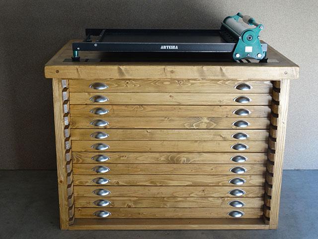 Fabricante de mobiliario para almacenaje de láminas y herramientas de bellas artes