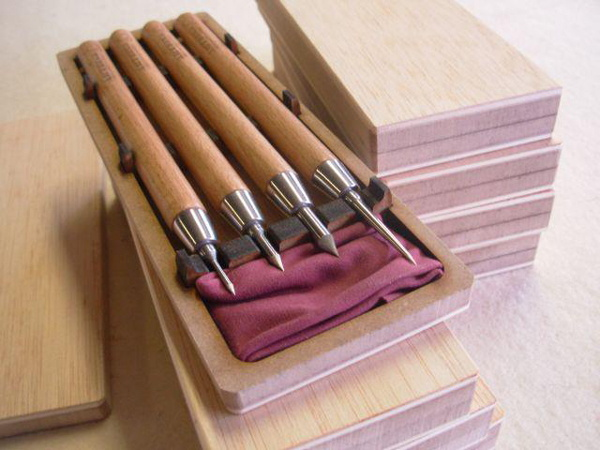 Fabricante de herramientas para bellas artes. Puntas secas para grabado