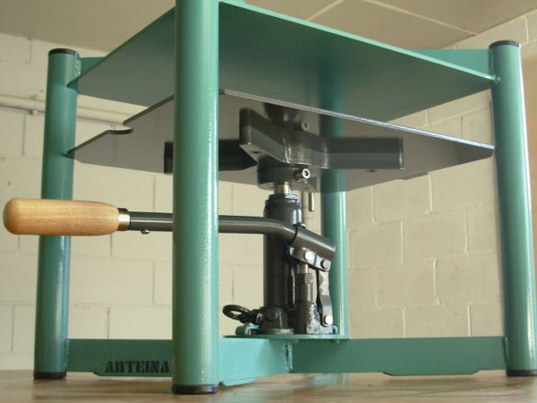 Venta de prensas hidráulicas para obra gráfica, grabado, impresión y bellas artes