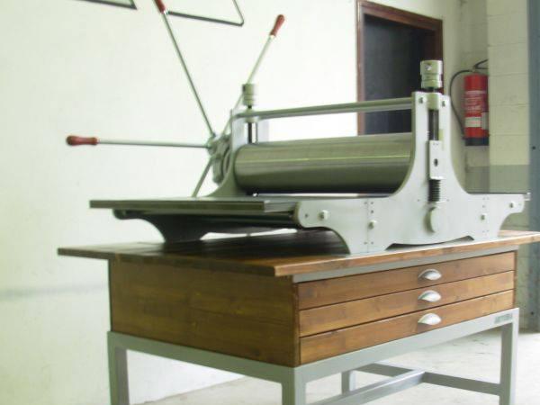 Empresa de tórculos para grabado con caja reductora